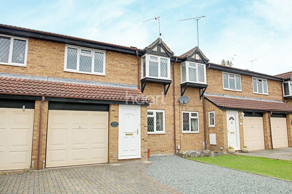 3 Bedrooms Terraced House for sale in Stratone Village, Stratton St. Margaret