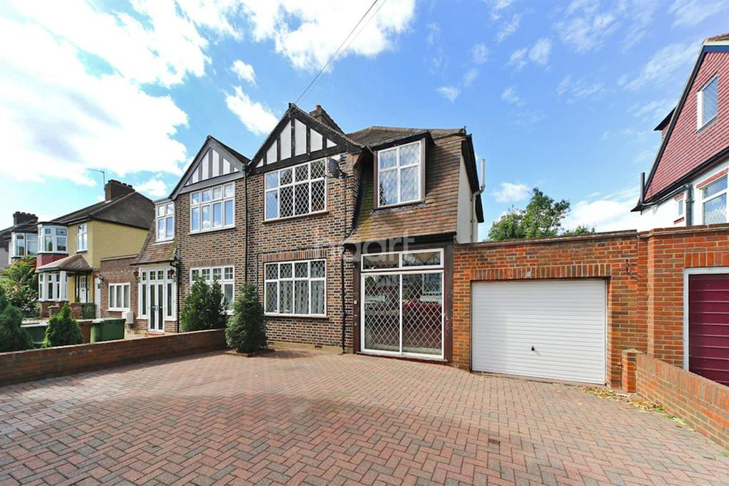 3 Bedrooms Detached House for sale in Worcester Park