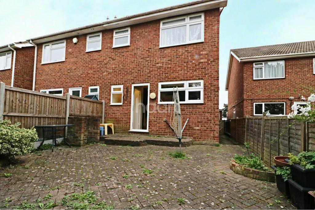 3 Bedrooms Semi Detached House for sale in Worcester Park