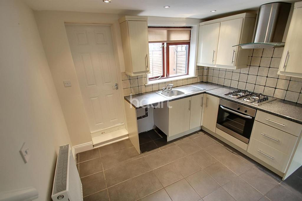 2 Bedrooms Terraced House for sale in Bretts Buildings, Colchester