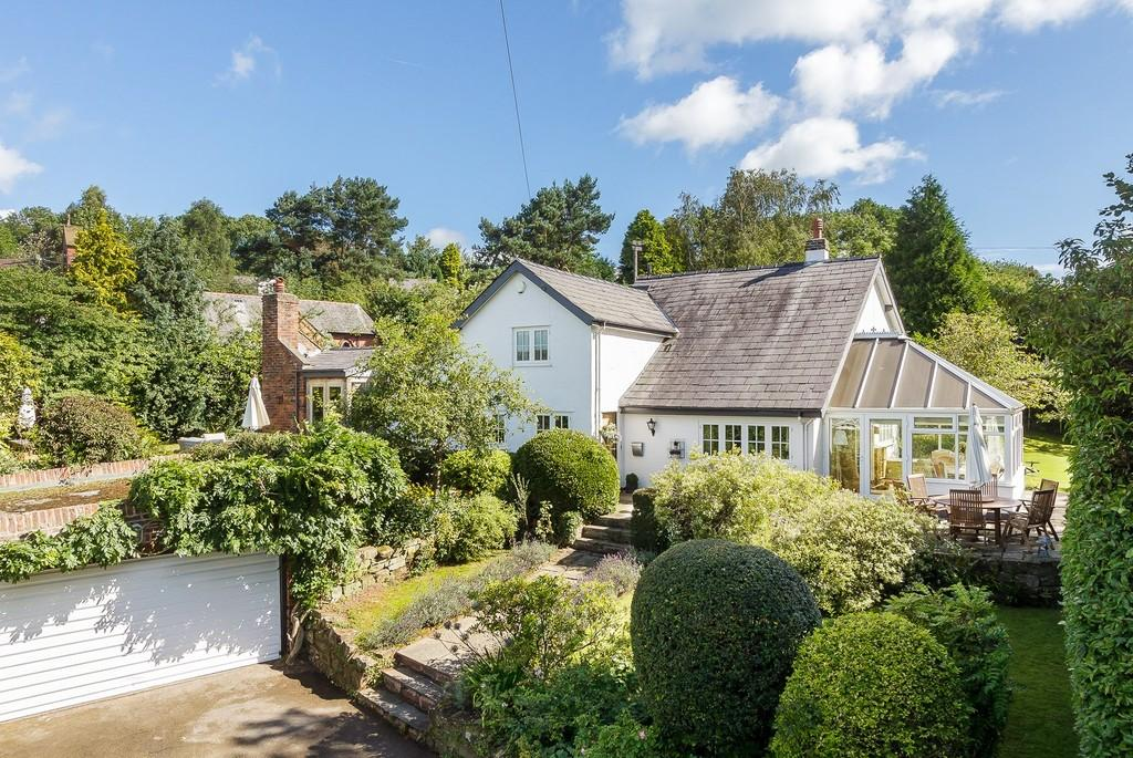 4 Bedrooms Detached House for sale in Arderne Cottage, Utkinton, CW6 0JX