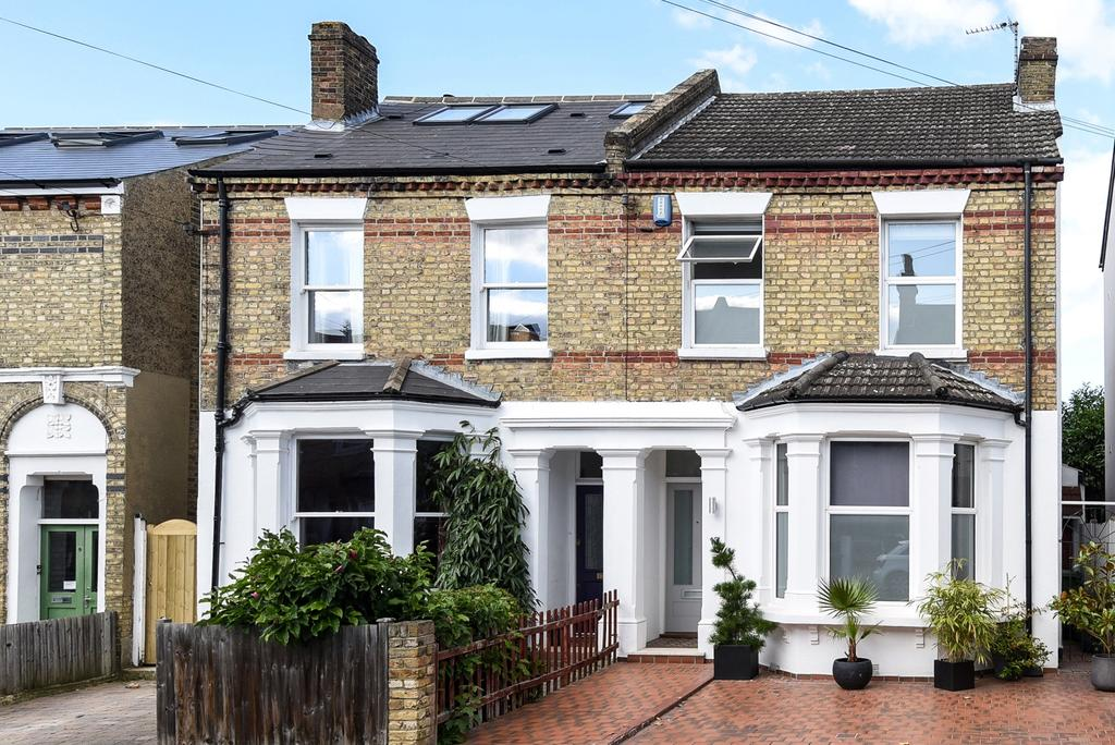 4 Bedrooms Semi Detached House for sale in Stodart Road London SE20