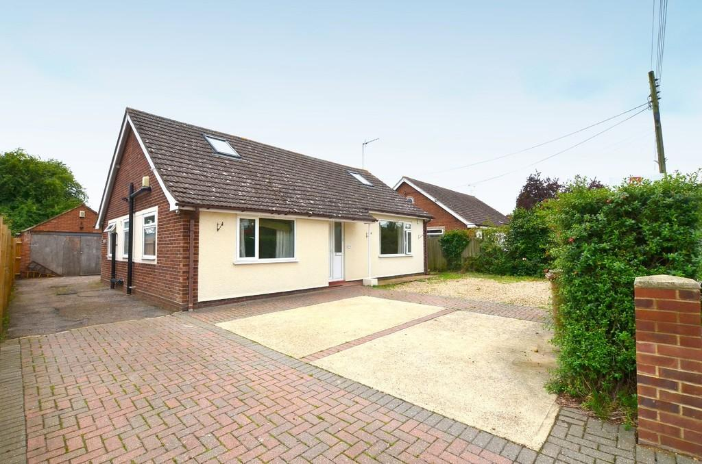 5 Bedrooms Detached Bungalow for sale in Black Tiles Lane, Martlesham, IP12 4SP