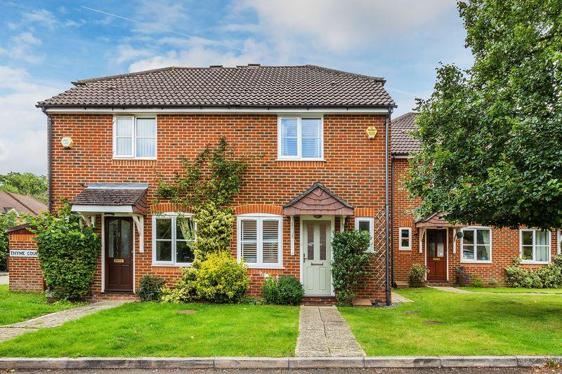 2 Bedrooms Semi Detached House for sale in Burpham