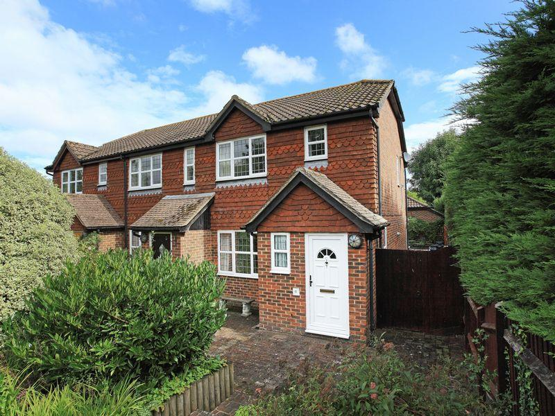 3 Bedrooms End Of Terrace House for sale in Thomas Turner Drive, East Hoathly