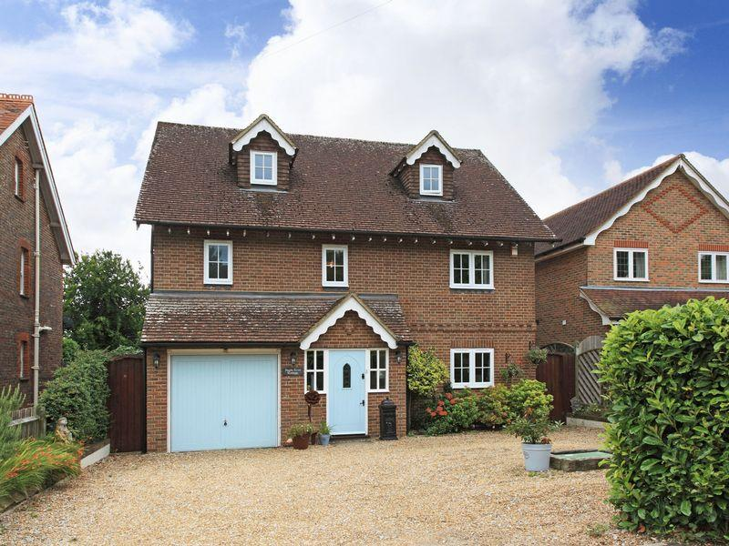 5 Bedrooms Detached House for sale in The Street, Framfield, Uckfield, East Sussex