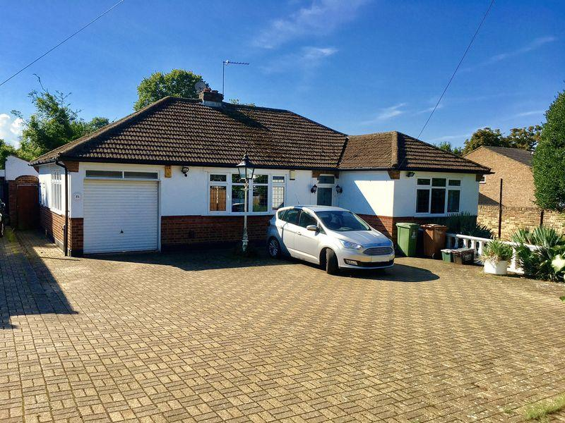 3 Bedrooms Bungalow for sale in Mount Road, Bexleyheath