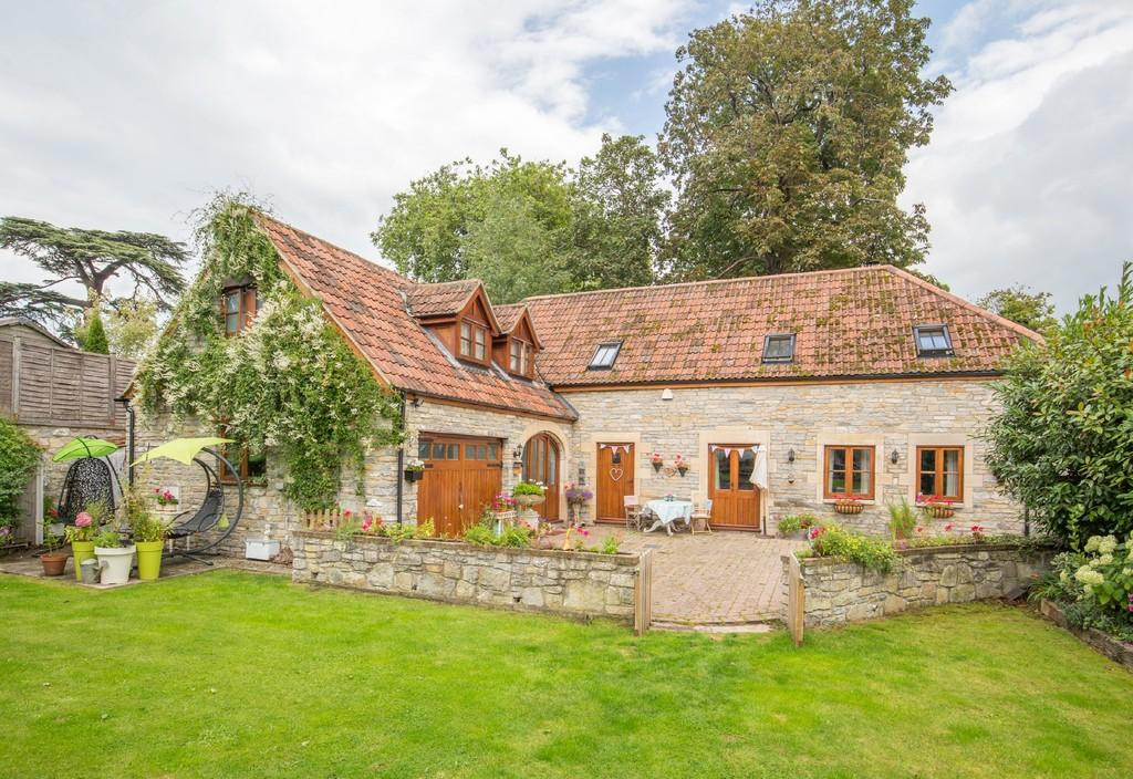 4 Bedrooms Barn Conversion Character Property for sale in Manor Road, Cossington