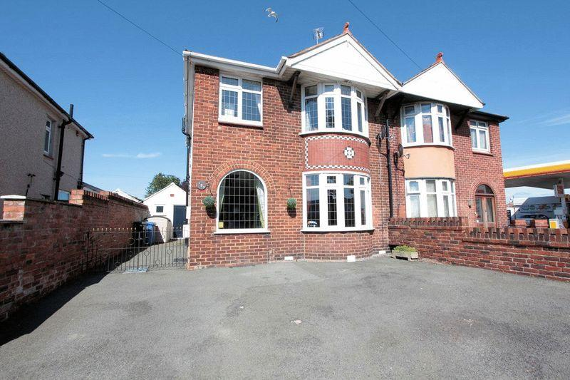 3 Bedrooms Semi Detached House for sale in Vale Road, Rhyl