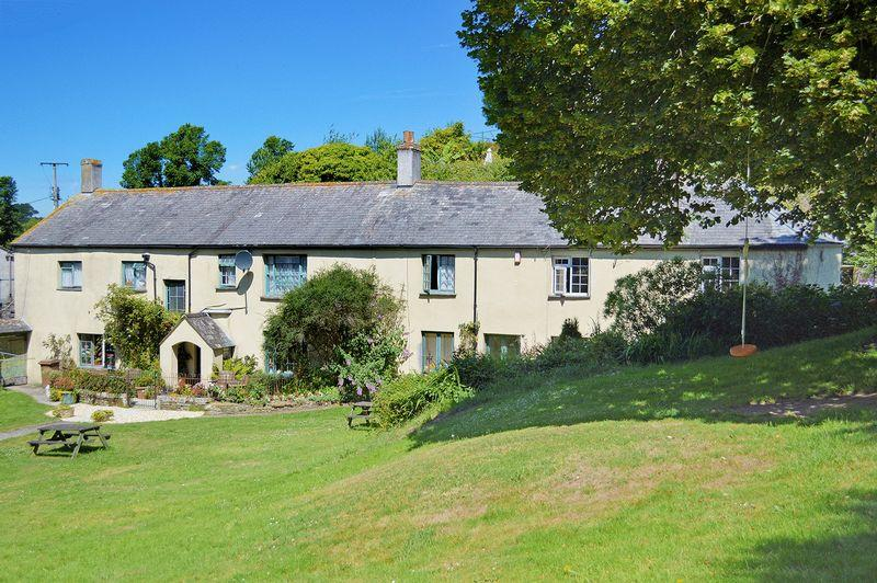 10 Bedrooms Detached House for sale in Talland Bay, Looe