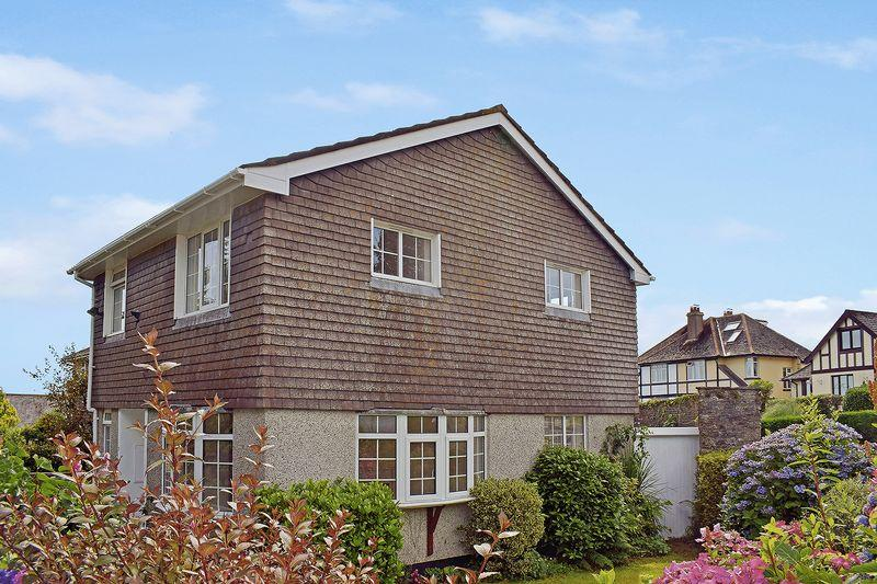 3 Bedrooms Detached House for sale in Glencross Court, Liskeard