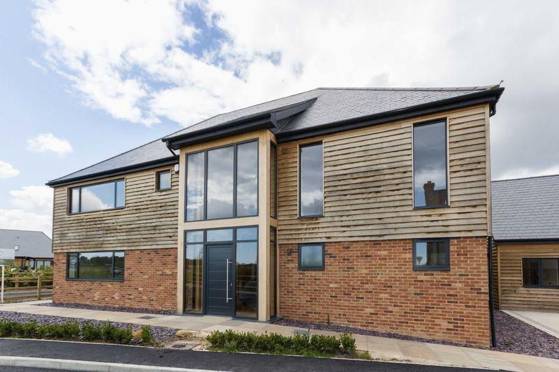 5 Bedrooms Detached House for sale in Woodnesborough