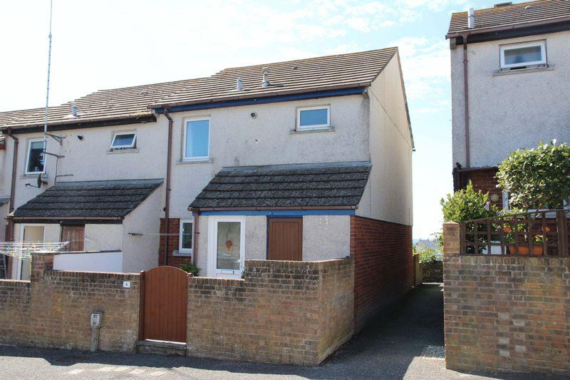 3 Bedrooms End Of Terrace House for sale in Reeds Way, Newquay