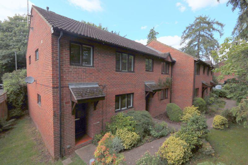 1 Bedroom End Of Terrace House for sale in Godalming