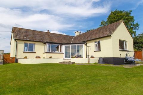 3 bedroom detached bungalow for sale - Cheriton Bishop, Exeter