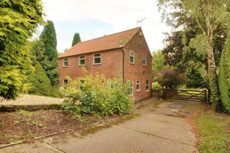 4 Bedrooms Detached House for sale in Church Street, Elsham