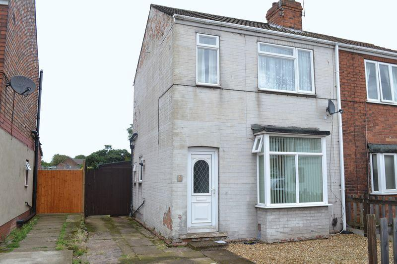 2 Bedrooms Semi Detached House for sale in St Johns Road, Scunthorpe