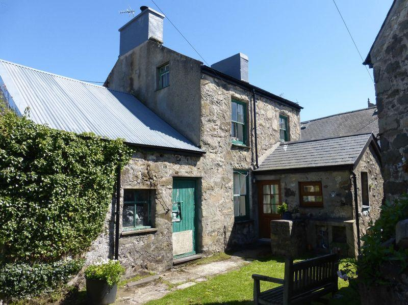 3 Bedrooms Detached House for sale in Nefyn