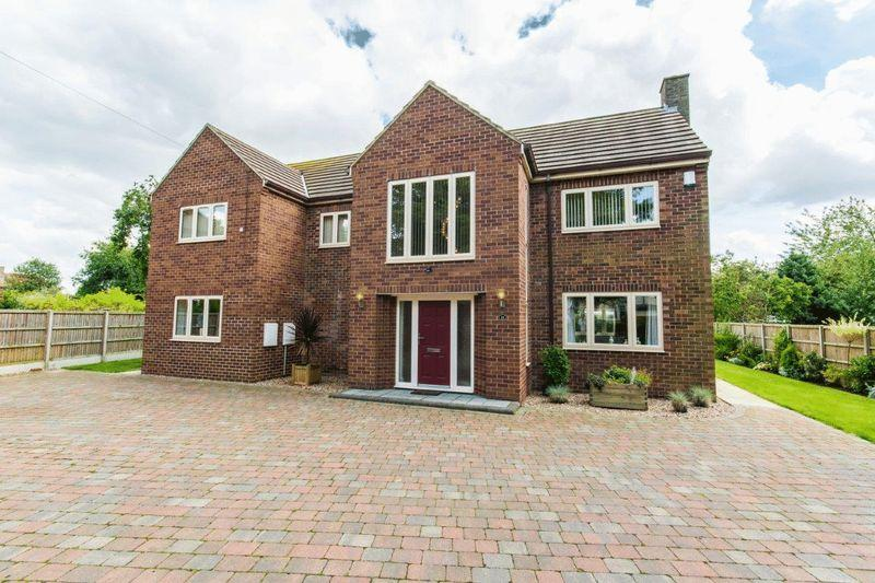 4 Bedrooms Detached House for sale in Wrawby Road, Brigg, DN20