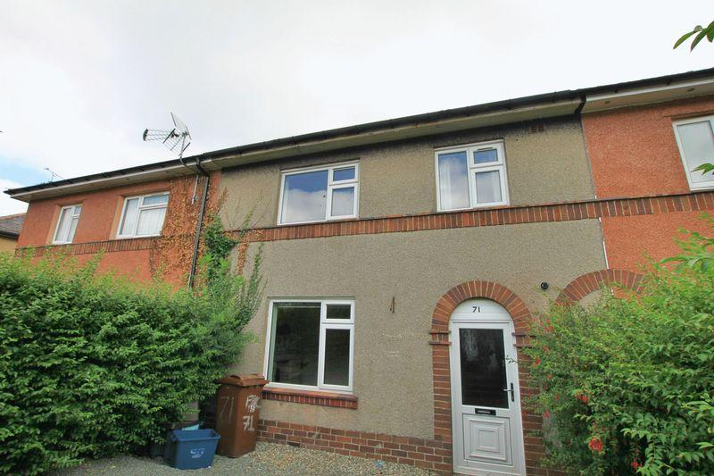 3 Bedrooms Terraced House for sale in Ffordd Y Castell, Bangor