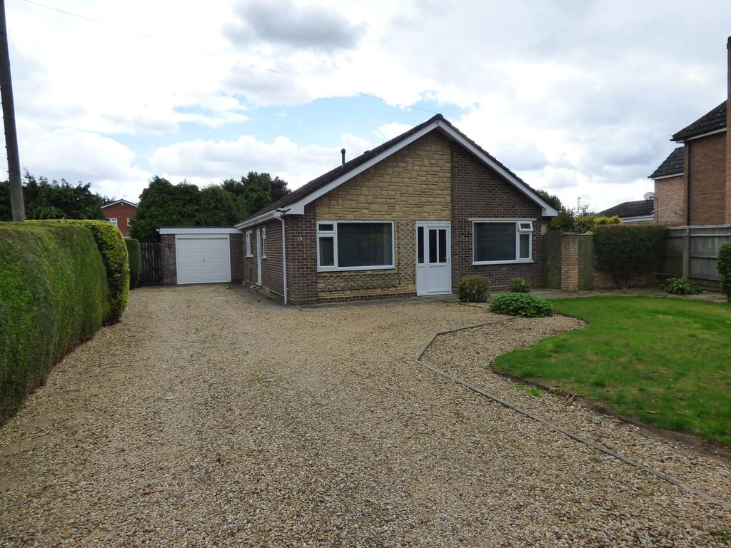 3 Bedrooms Detached Bungalow for sale in Broad Lane, Moulton