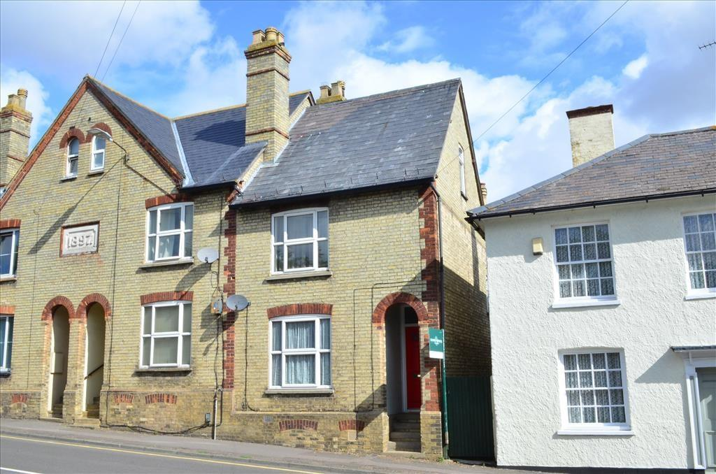 3 Bedrooms Semi Detached House for sale in Baldock Street, ROYSTON, SG8