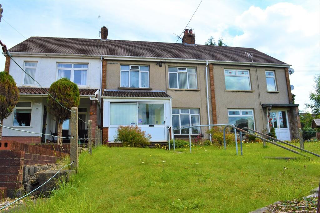 3 Bedrooms Terraced House for sale in Main Road, Maesycwmmer