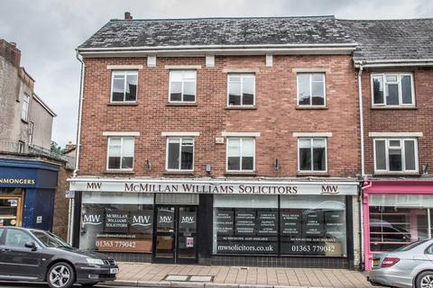 Property to rent - 122-123 High Street, Crediton
