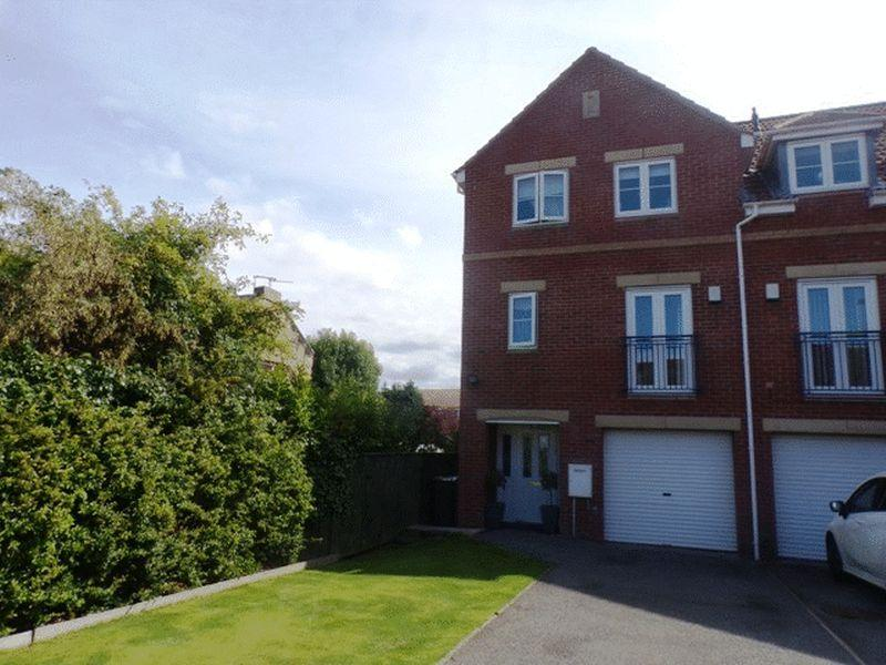 5 Bedrooms Town House for sale in Heather Lea, Bebside, Blyth