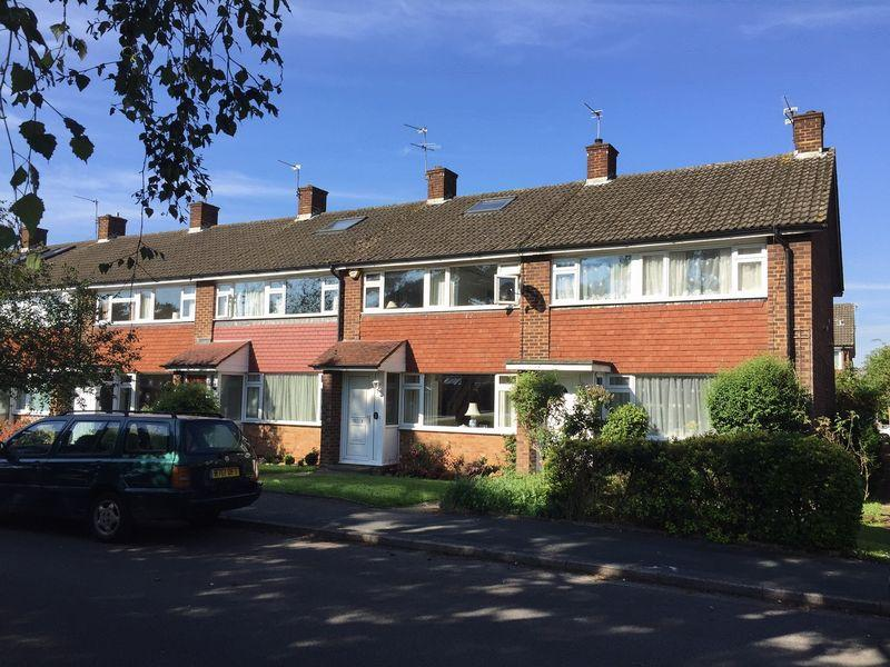 4 Bedrooms Terraced House for sale in Linkfield, West Molesey, Surrey