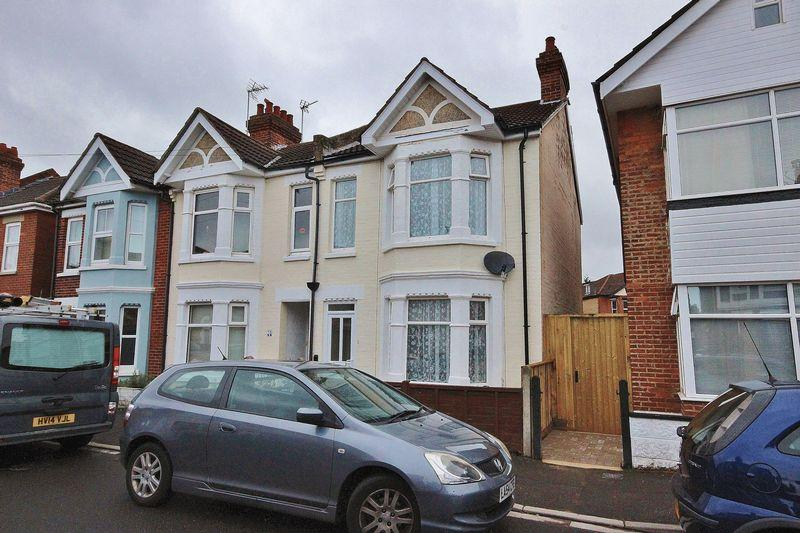 3 Bedrooms End Of Terrace House for sale in Wheaton Road, Pokesdown, Bournemouth