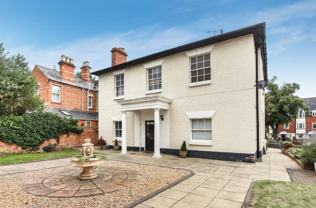 2 Bedrooms Apartment Flat for sale in Warwick Road, Stratford-upon-Avon