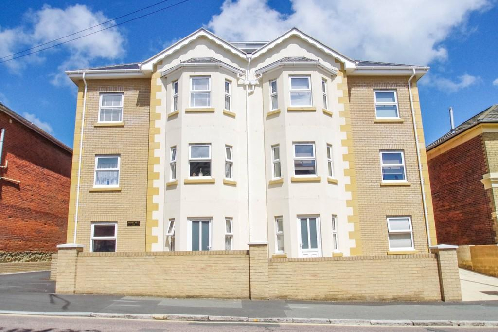 2 Bedrooms Ground Flat for sale in Atherley Road, Shanklin