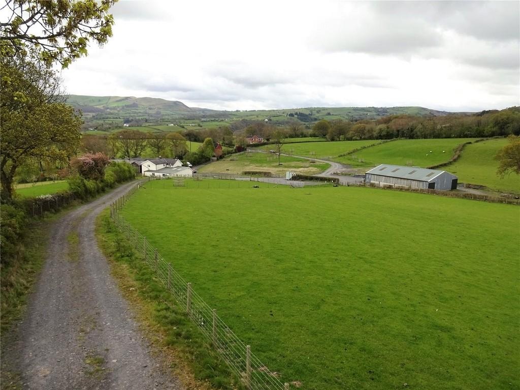 4 Bedrooms Farm House Character Property for sale in Perth Y Bu, Mochdre