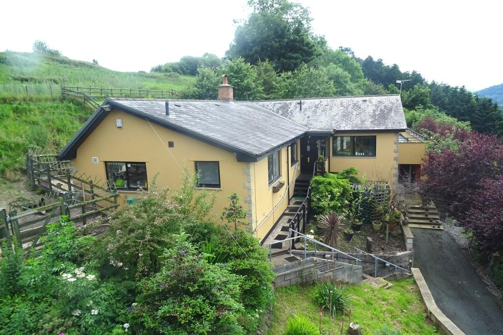 5 Bedrooms Detached House for sale in Buttington, Welshpool
