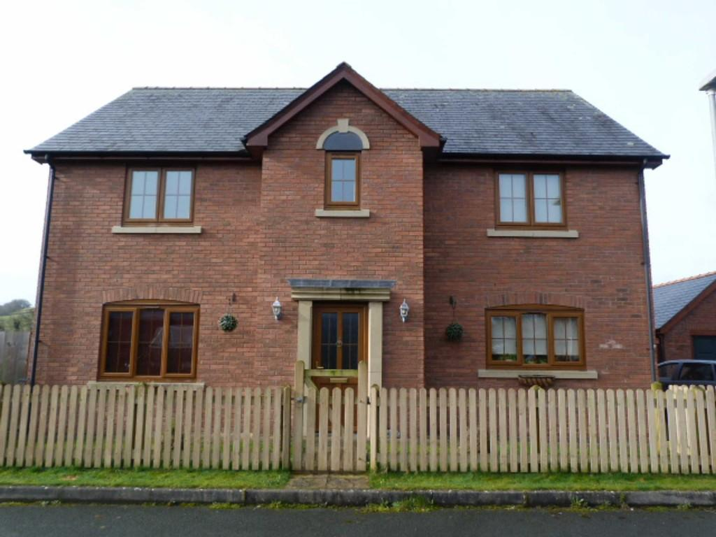 4 Bedrooms Detached House for sale in Maes Llwyn Celyn, Caersws