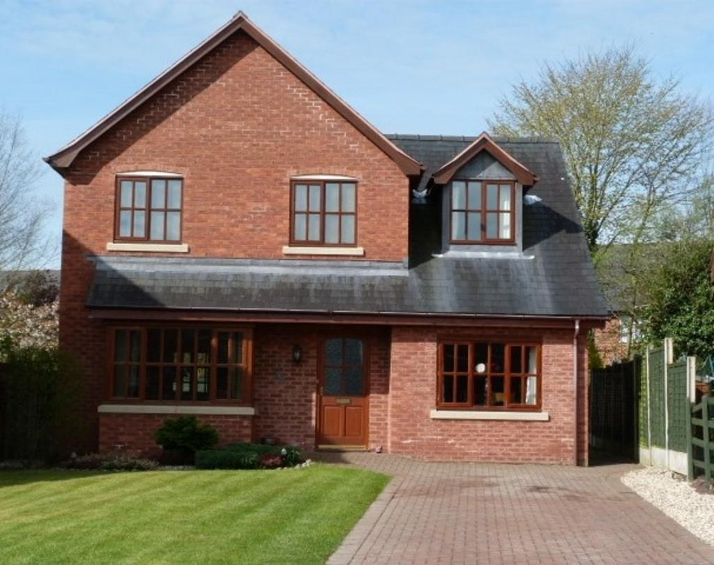 4 Bedrooms Detached House for sale in Parc Hafod, Tregynon