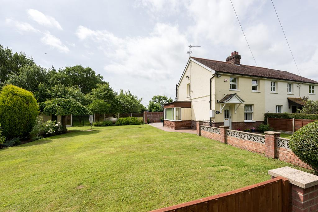 3 Bedrooms Semi Detached House for sale in Jubilee Cottages,Little Bentley