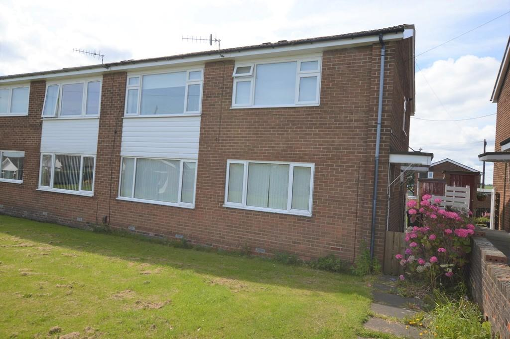 2 Bedrooms Ground Flat for sale in Long Gar, Winlaton