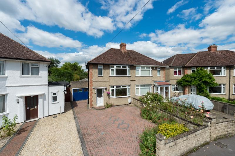 3 Bedrooms Semi Detached House for sale in Ouseley Close, Marston, Oxford, Oxfordshire