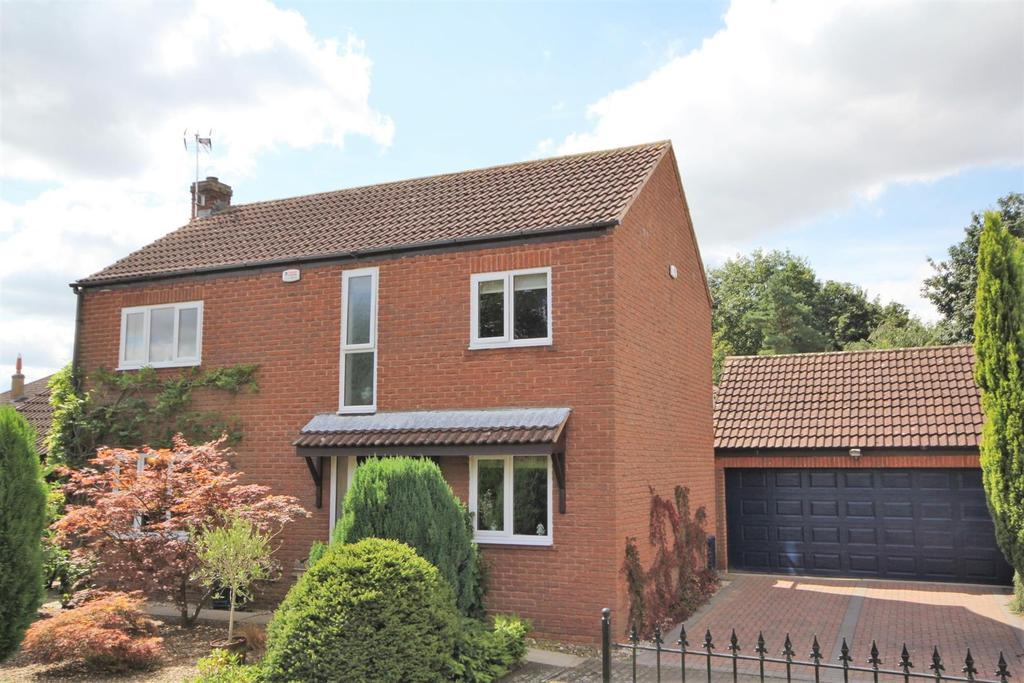 4 Bedrooms Detached House for sale in Middlecroft, Wilberfoss, York YO41