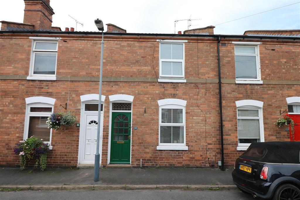 3 Bedrooms Terraced House for sale in Meadow Road Warwick
