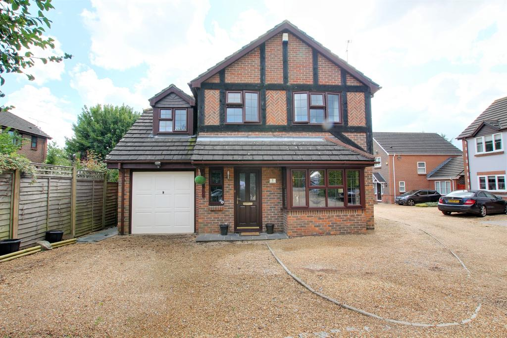 4 Bedrooms Detached House for sale in CLANFIELD