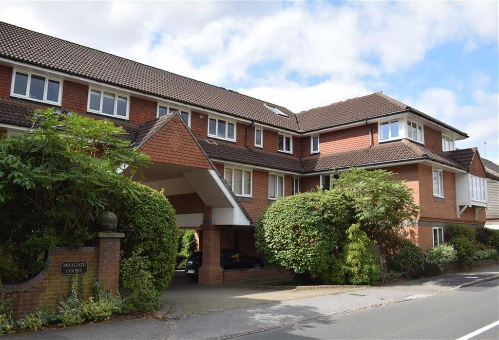 2 Bedrooms Flat for sale in Millgate Court, Farnham