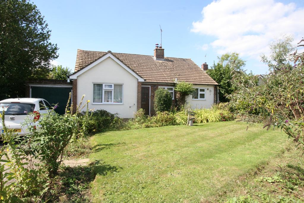 2 Bedrooms Detached Bungalow for sale in Kirkwood avenue, Front Road, Woodchurch TN26
