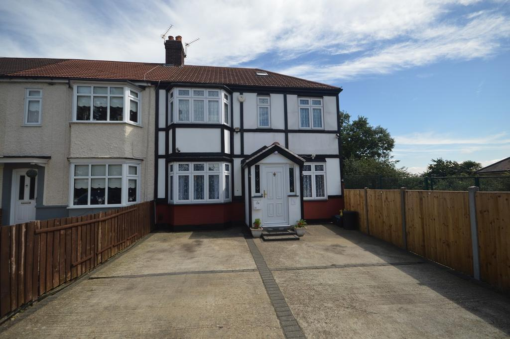 5 Bedrooms End Of Terrace House for sale in Fencepiece Road, Barkingside, Essex, IG6