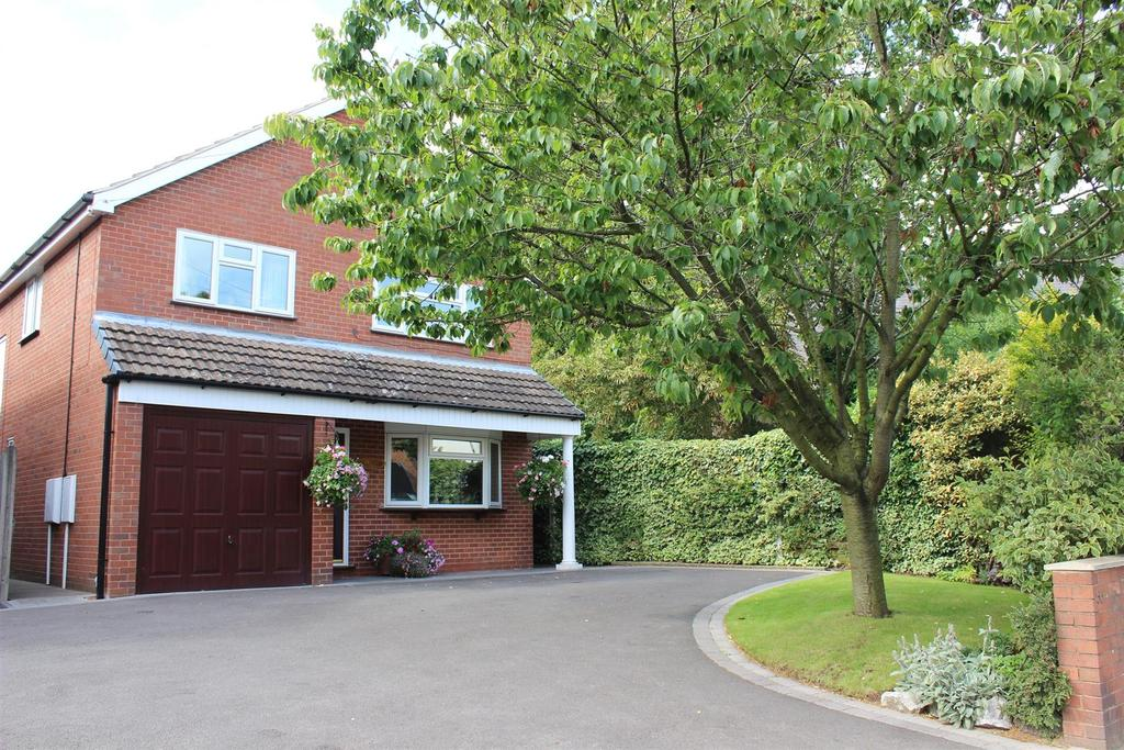 4 Bedrooms Detached House for sale in Coleshill Street, Fazeley, Tamworth