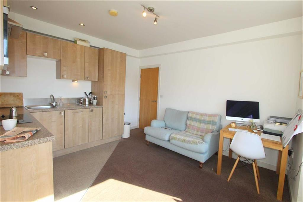 1 Bedroom Apartment Flat for sale in Clifton Drive North, Lytham St Annes, Lancashire
