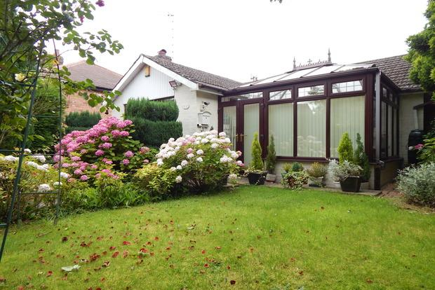 2 Bedrooms Detached Bungalow for sale in Clumber Avenue, Mapperley, Nottingham, NG3