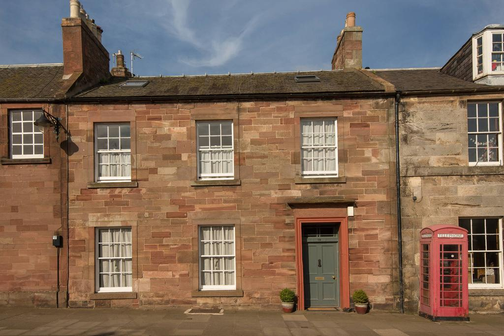 5 Bedrooms Terraced House for sale in 19 High Street, East Linton, EH40 3AA